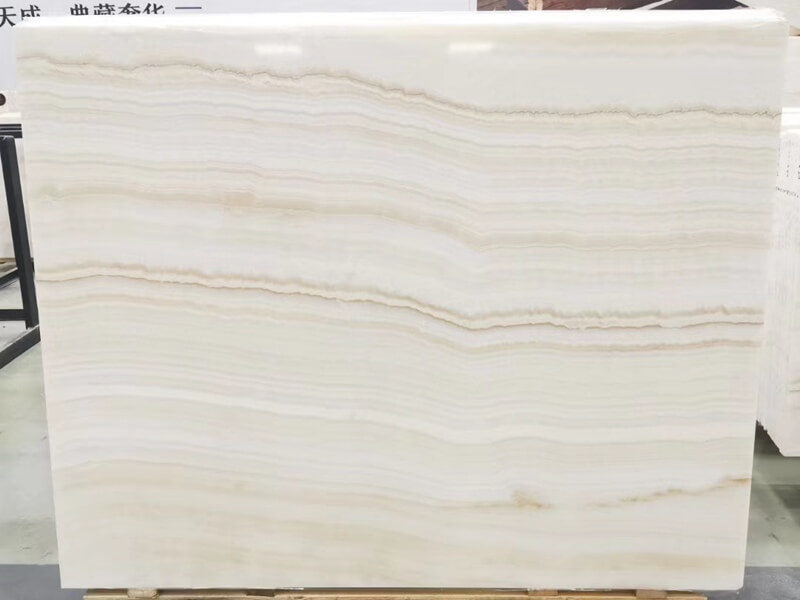 Ivory Onyx Avorio Travertine Slabs