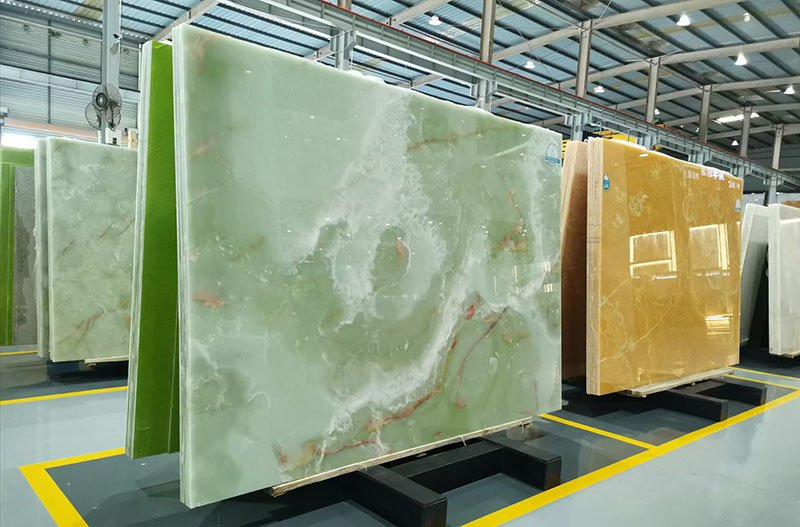 Natural Beauty of Onyx Slabs